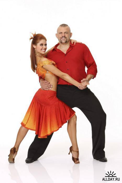 Танцевальные пары на белом фоне