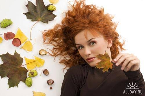 Девушка среди желтых листьев   Woman among yellow leaves