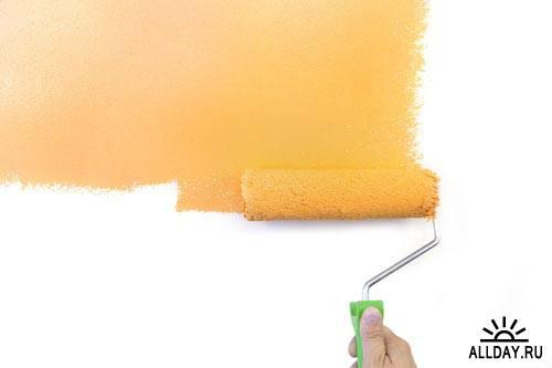 Рука с валиком для краски | Hand with paint roller