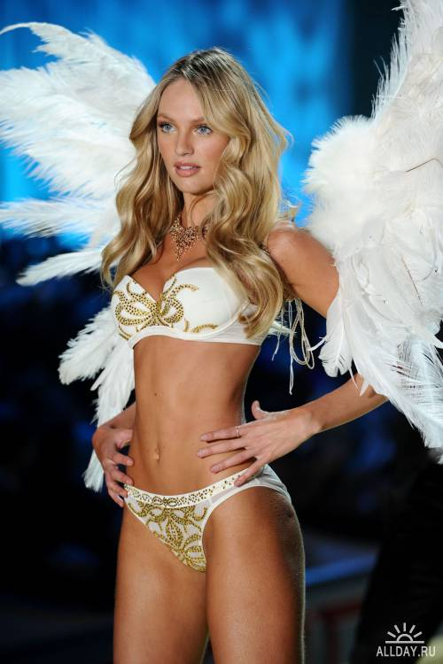 Victoria's Secret Fashion Show (2010г)
