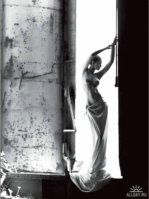 Photographers Companion - May 2012