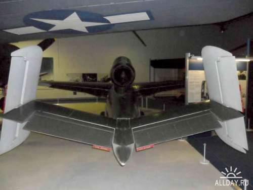 Фотообзор - немецкий реактивный истребитель Heinkel He162A-1 Volksjager