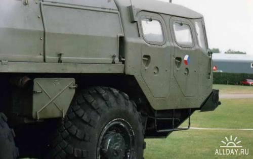 Автомобиль транспортер МАЗ-543 SCUD B TEL