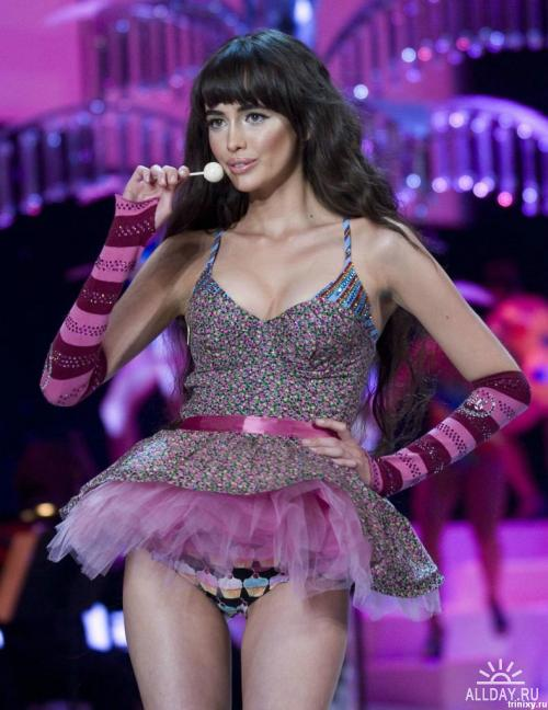 Фото Victoria's Secret Fashion Show 2008