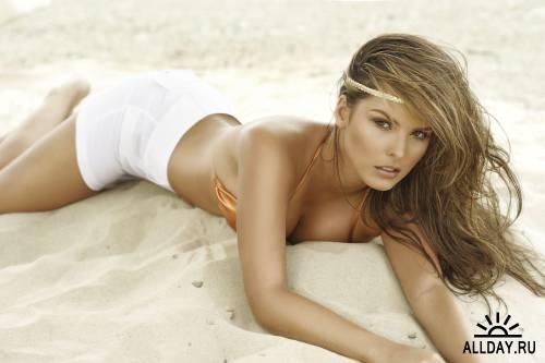 Melissa Giraldo - Swimwear Photoshoot