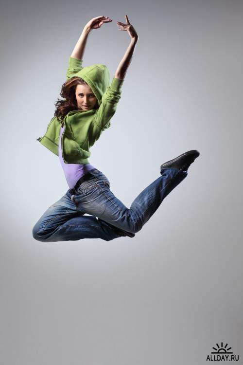 Клипарт - танцующие девушки / Dancing girls (16)