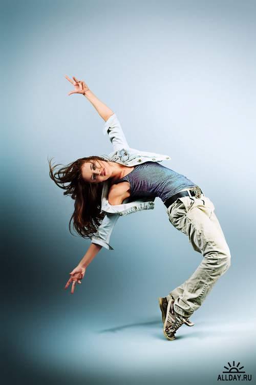Клипарт - танцующие девушки / Dancing girls (15)