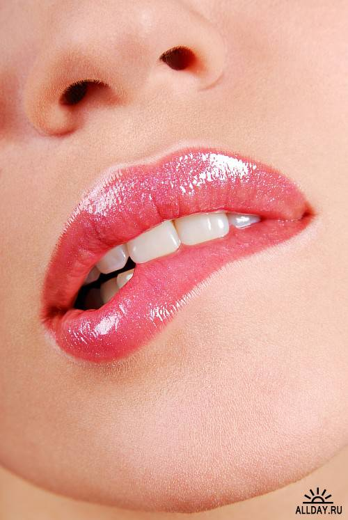 Картинки прикусывающие губы