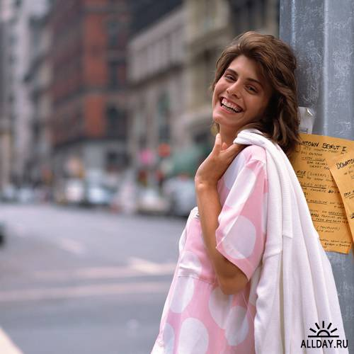 Клипарт - Женщина в городе / MX-112 City Women