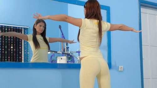 Фото привлекательных девушек на рабочий стол (cборник 5)
