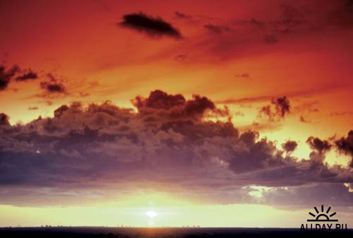 Облака и закаты / MedioImages WT21 Discover Sunsets and Clouds