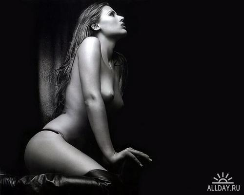130 Blackly White Sexy Girls Wallpapers