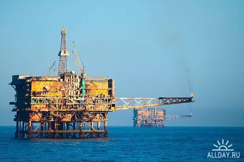 Stock photos - Нефтедобыча, нефтепереработка