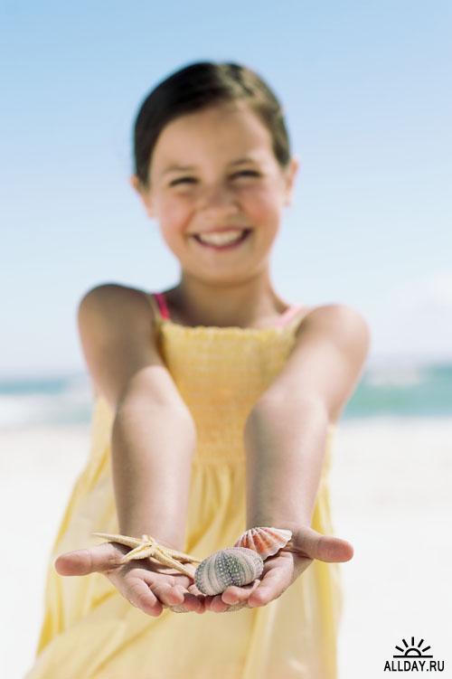 Клипарт на тему: семейный отдых на пляже