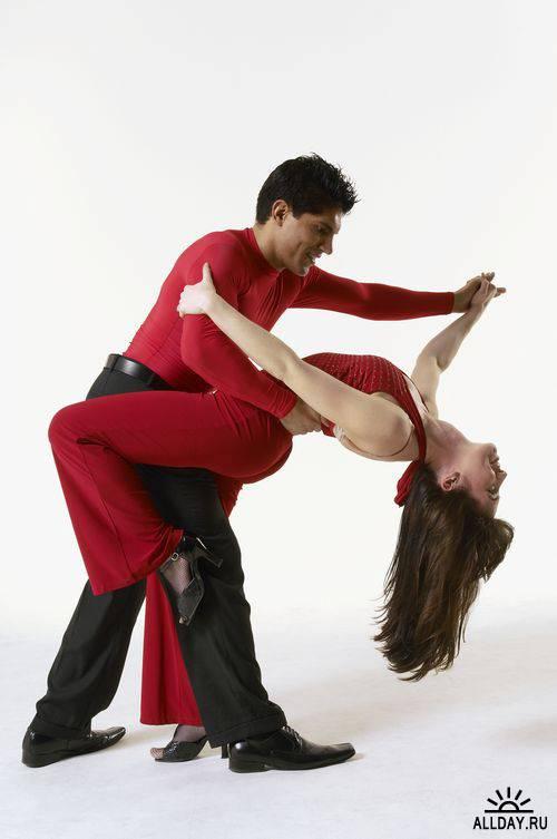 Фотографии танцующих людей