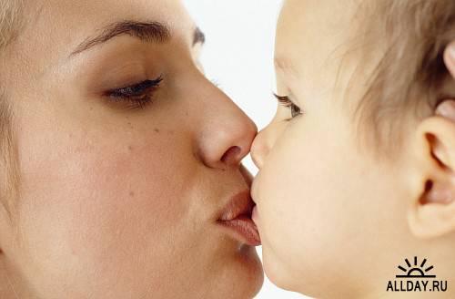 PX026 - Mother & Child Attitude
