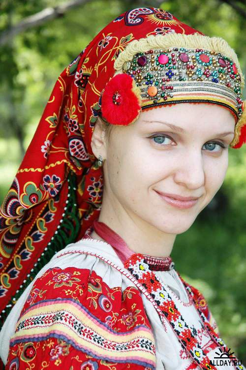 Русский национальный костюм 2 (JPG)