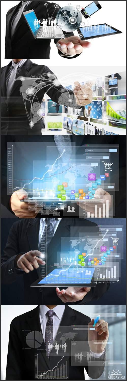 Рука делового человек рисует графики, сенсорный планшет в руках, структура социальная сеть, финансовые символы - Растровый клипарт