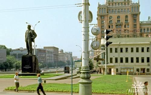 Мой Адрес - Не Дом и Не Улица, Мой Адрес - Советский Союз