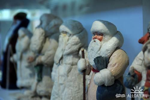 Кадры фотохроники #15. Ретроспективная выставка «Новый год в Москве»