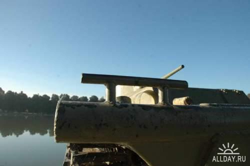 Американская гусеничная десантная машина LVT(A)1
